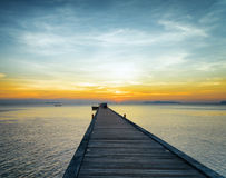 Cais do barco no por do sol Imagens de Stock