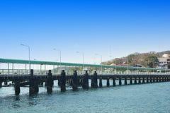 Cais do cimento no si Chang Island foto de stock royalty free