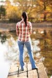 Cais do lago woman imagem de stock royalty free