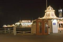 Cais Inglaterra sul de Brigghton na noite Imagem de Stock