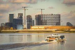 Cais moderno na península de Greenwich imagem de stock