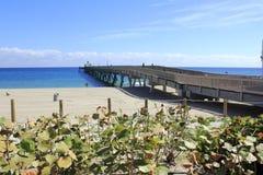 Cais na praia de Deerfield Fotografia de Stock Royalty Free
