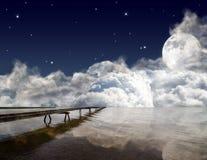 Cais no grande lago na noite Imagem de Stock