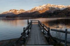Cais no lago Fotos de Stock Royalty Free