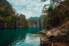 Cais no lago Kayangan, Filipinas Imagem de Stock