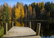 Cais no lakeshore Fotografia de Stock