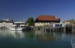 Cais no porto de Konstanz imagens de stock