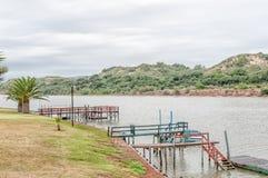 Cais no rio de domingos Imagens de Stock