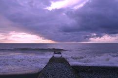 Cais pelo mar Fotos de Stock Royalty Free