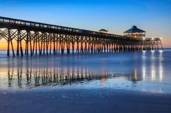 Cais South Carolina da pesca da praia do insensatez imagens de stock