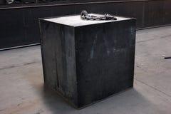 caisse industrielle de bo te en m tal photographie stock image 33138692. Black Bedroom Furniture Sets. Home Design Ideas