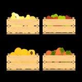 Caisses en bois avec des fruits Photo libre de droits