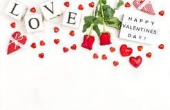 Caisson lumineux rose de jour de valentines d'amour de décoration de fleurs de coeurs rouges Image stock