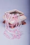 Caixão cerâmico com bijouterie Imagem de Stock Royalty Free