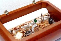 Caixão com jóia Fotos de Stock Royalty Free