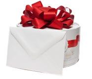 Caixa atual com envelope em branco fotografia de stock royalty free
