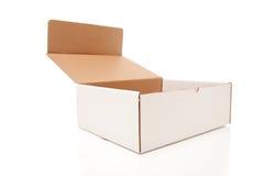 Caixa branca em branco de Carboard aberta isolada imagens de stock