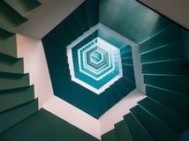 Caixa da escada de uma casa clara Pondicherry imagens de stock royalty free