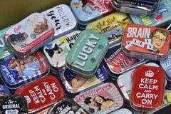 Caixa da lata do metal de Colorfull com propaganda do vintage Fotografia de Stock