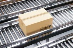 Caixa da caixa na linha de produção imagem de stock