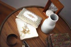 Caixa da porcelana do teste padrão da flora do vintage fotos de stock