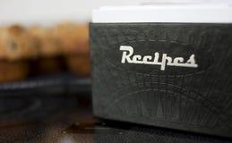 Caixa da receita com queques da uva-do-monte Imagens de Stock Royalty Free