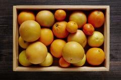 Caixa das citrinas Fotografia de Stock