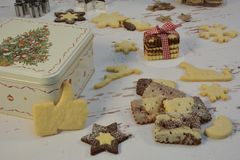 Caixa das cookies e de Natal fotografia de stock royalty free