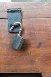A caixa das pontas com o fechamento chave fotografia de stock royalty free
