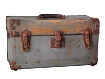 Caixa de aço do vintage oxidado velho no fundo branco imagem de stock