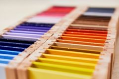 Caixa de cor 3 de Montessori imagens de stock royalty free