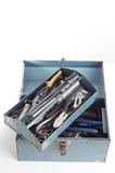 Caixa de ferramentas do metal com ferramentas imagens de stock