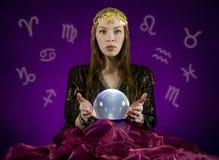 Caixa de fortuna com esfera de cristal imagens de stock
