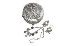 Caixa de jóia com colar e brincos Fotografia de Stock Royalty Free