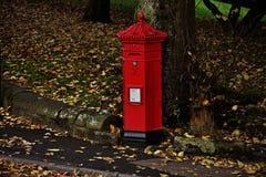 Caixa de letra no parque do outono Imagem de Stock
