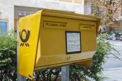 Caixa de letra pública em Munich, Alemanha, 2015 Fotografia de Stock Royalty Free