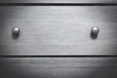 Caixa de madeira da textura do fundo com punhos fotografia de stock royalty free