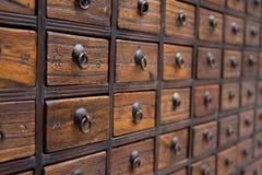 Caixa de medicina chinesa antiga Foto de Stock Royalty Free