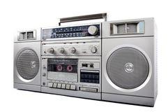 caixa de prata retros dos anos 80, de crescimento e fones de ouvido isolados no branco Lado direito imagens de stock royalty free