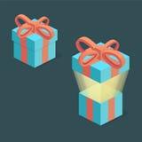 Caixa de presente azul com a fita vermelha no estilo isométrico Imagens de Stock