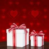 Caixa de presente branca com a fita vermelha & branca do guingão Imagem de Stock