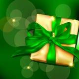 Caixa de presente com fita e curva Imagens de Stock Royalty Free