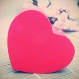 Caixa de presente com forma do coração Imagem de Stock Royalty Free