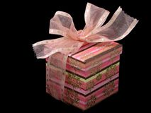 Caixa de presente cor-de-rosa Fotografia de Stock
