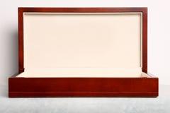Caixa de presente de madeira luxuosa Imagem de Stock