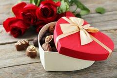 Caixa de presente do coração imagens de stock