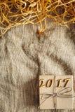 Caixa de presente do Natal, ano novo 2017 - espaço para o texto Fotos de Stock