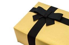 Caixa de presente dourada. Imagem de Stock