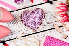 Caixa de presente Heart-shaped foto de stock