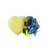Caixa de presente heart-shaped vazia isolada no branco foto de stock